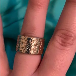 Jewelry - Gold costume ring